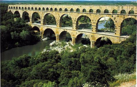 Ardeche south of france france deck chair villas for Lodges in france